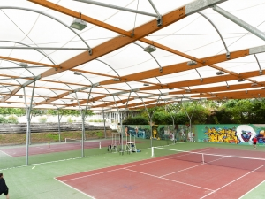outdoor-tennis-court-fabric-roof.jpg