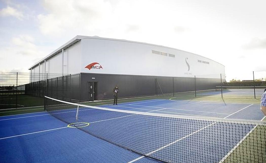 Tennishallenbau